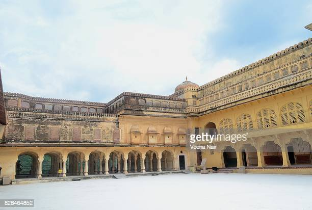 amer fort/amber fort,jaipur,rajasthan - amber fort stock pictures, royalty-free photos & images