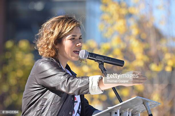 America Ferrera reached out to latino students of Metropolitan State University Community College of Denver and University of Colorado Auraria campus...