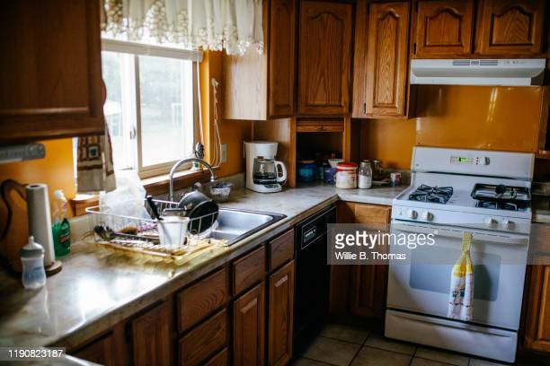 america kitchen - 中流階級 ストックフォトと画像