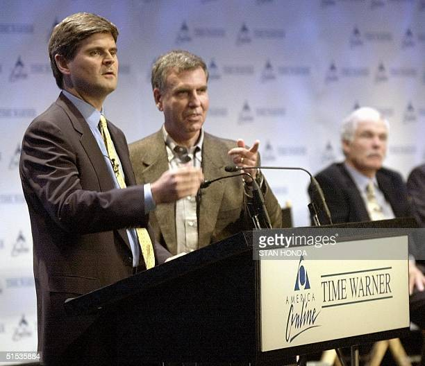 America Online Chairman Steve Case and Time Warner Chairman Gerald Levin announce their merger 10 January 2000 at a New York news conference The new...