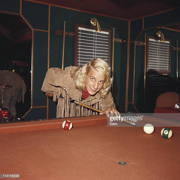 American actor and filmmaker Darby Hinton shoots some pool for a magazine shoot United States circa 1978 Photo by Epics/Getty Images