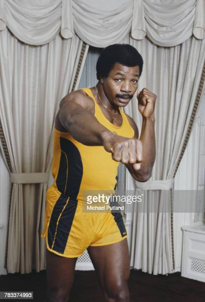 American actor and former professional football player Carl Weathers in sparring pose in June 1979
