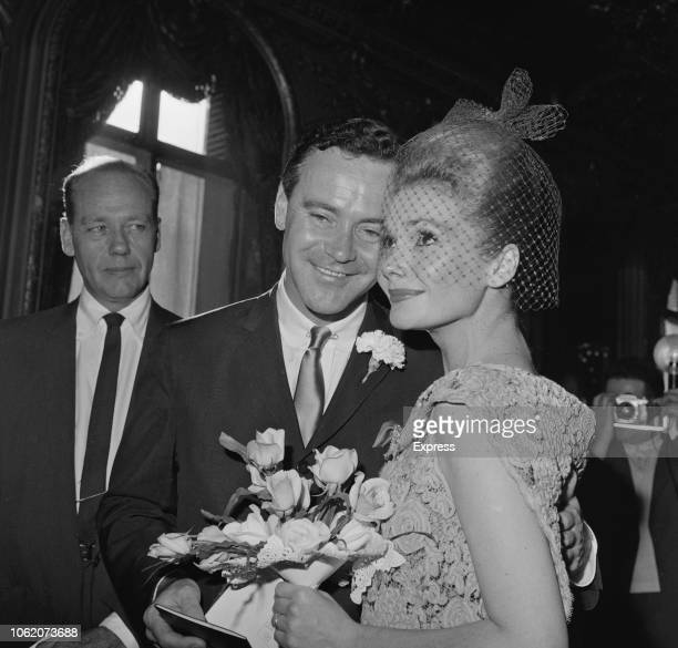 American actor and musician Jack Lemmon with his newly wed wife American actress Felicia Farr 23rd January 1963