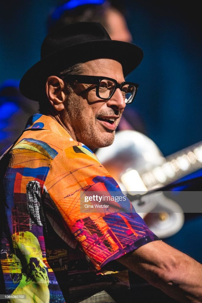 Jeff Goldblum Performs In Berlin : News Photo