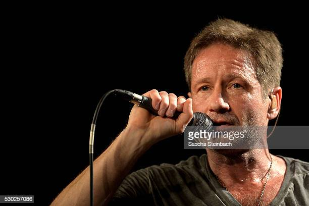 American actor and singer David Duchovny performs during his 'Hell or Highwater' tour at LiveMusicHall on May 10 2016 in Cologne Germany