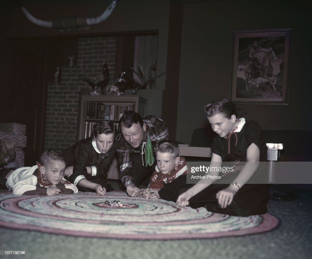 Roy Rogers And Family : News Photo