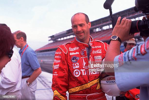 American actor Anthony Edwards smiles as he is filmed at an unidentified race track, Chicago, Illinois, September 12, 1999.