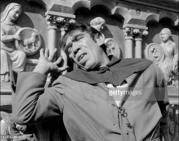 American actor Anthony Quinn plays the role of Quasimodo in Notre Dame de Paris a film by Jean Delannoy 1956 Born Antonio Quinones in Mexico he...