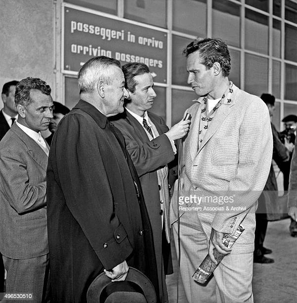 American actor Charlton Heston just landed at Ciampino airport to shoot the film 'Ben Hur' giving an interview to Italian journalist Carlo Mazzarella...
