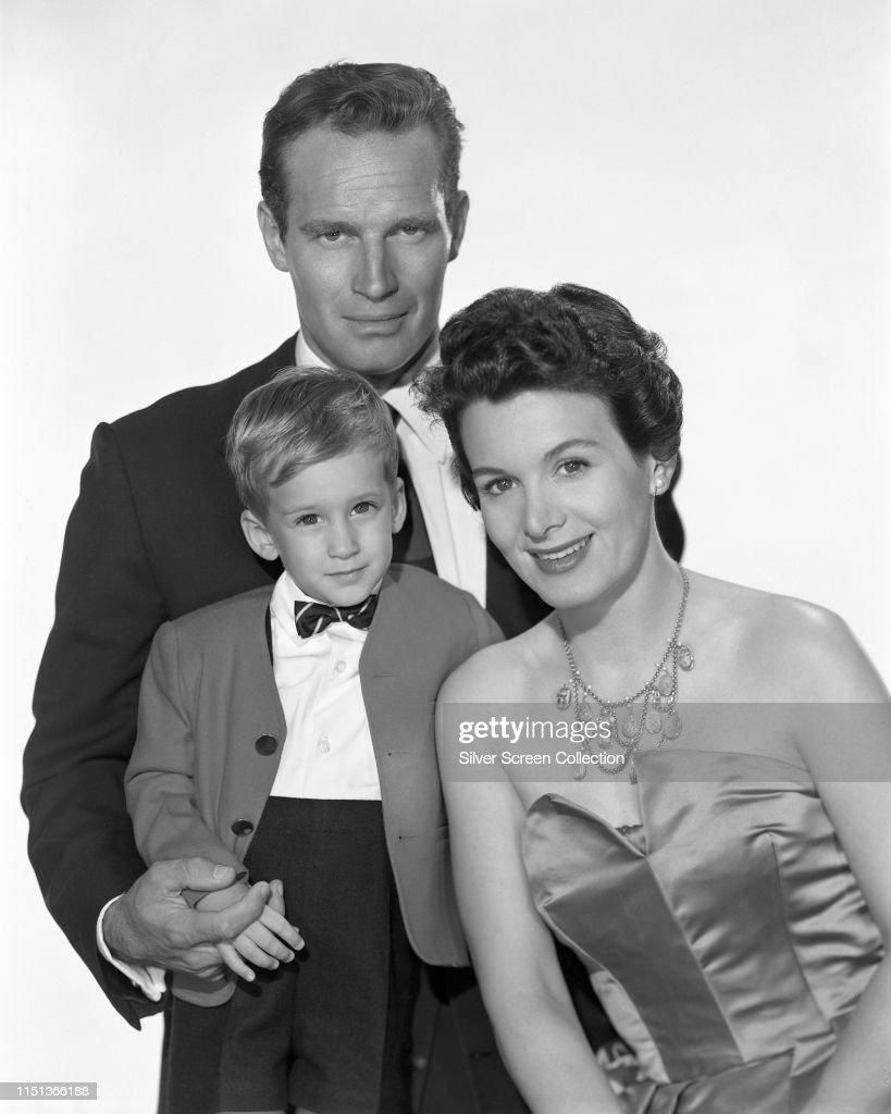 Charlton Heston And Family : News Photo