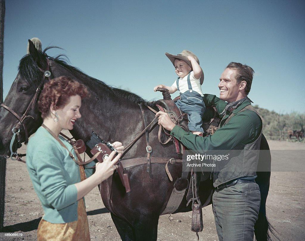 Charlton Heston : News Photo