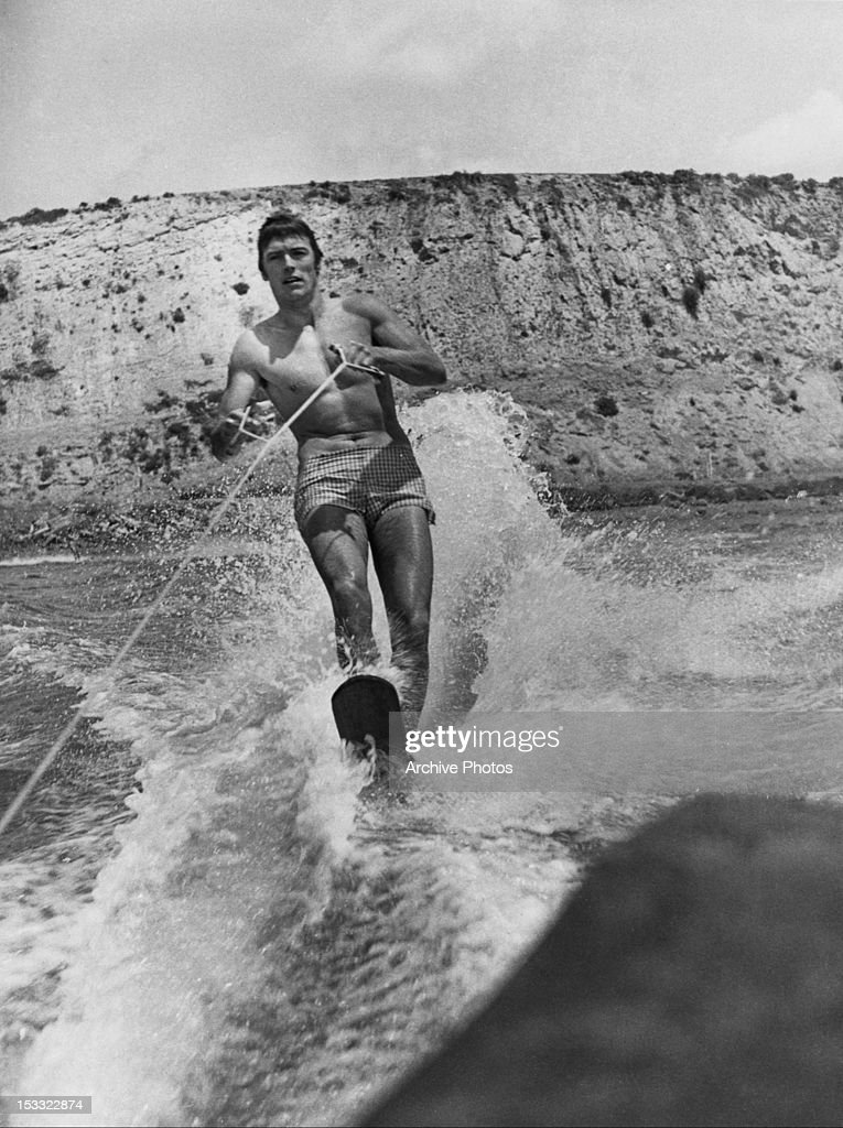Clint Eastwood Waterskiing : News Photo