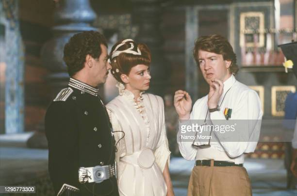 """American actor Dean Stockwell, british actress Francesca Annis and David Lynch on the set of """"Dune""""."""