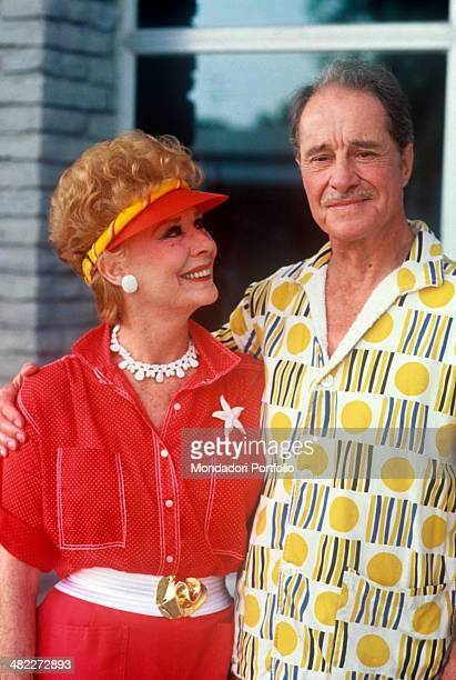 American actor Don Ameche hugging American actress Gwen Verdon in the film Cocoon 1985