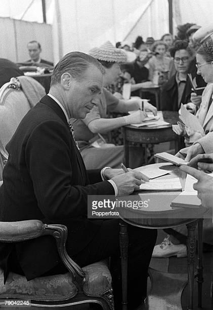 American actor Douglas Fairbanks Junior