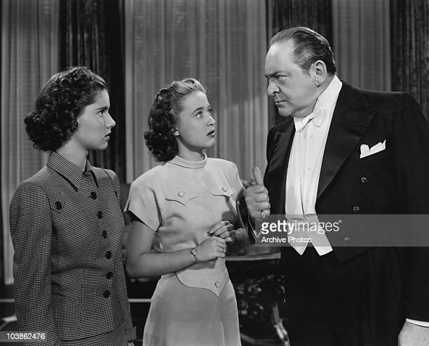American actor Edward Arnold stars with Jane Powell and Ann Todd in the MGM musical film 'The Birds and the Bees' aka 'Three Daring Daughters' 1947