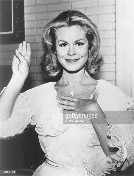 American actor Elizabeth Montgomery makes a pledge 1960s