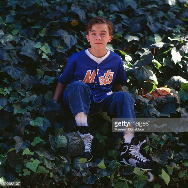 American actor Frankie Muniz wearing a New York Mets shirt circa 2000