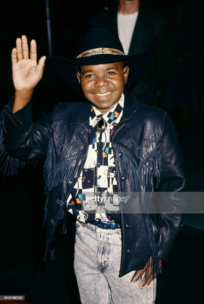 American actor Gary Coleman (1968-2010) smiles and waves as he poses for a portrait circa 1995 in Los Angeles, California.