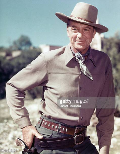 American actor Gary Cooper on the set of Garden of Evil, directed by Henry Hathaway.