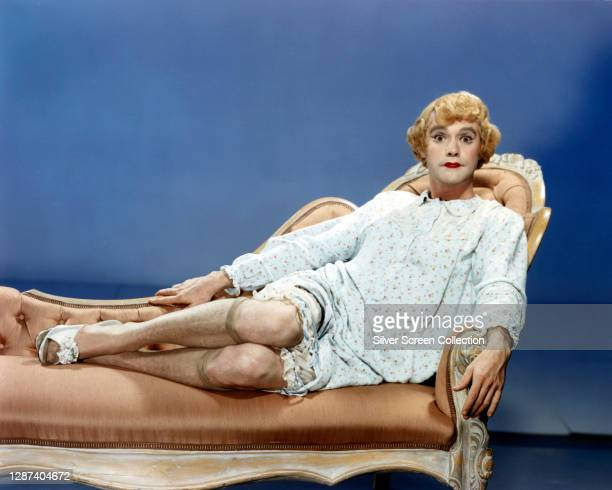 American actor Jack Lemmon as double bass player Jerry/Daphne in the comedy film 'Some Like It Hot', 1959.