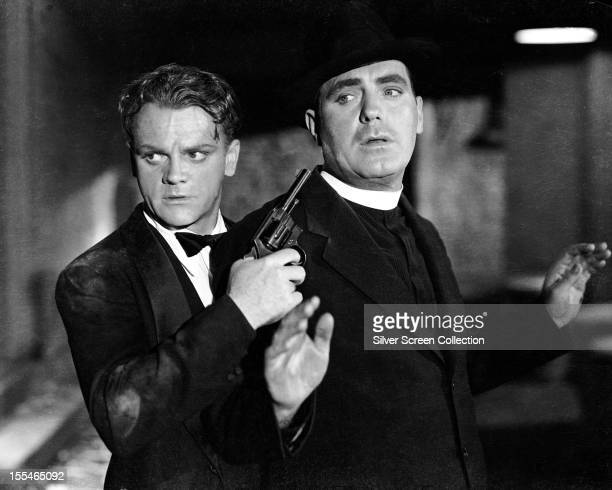 American actor James Cagney as Rocky Sullivan and Pat O'Brien as Father Jerry Connolly in 'Angels With Dirty Faces' directed by Michael Curtiz 1938