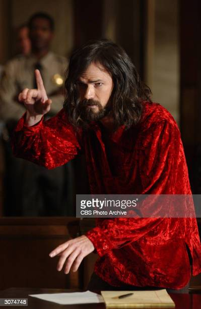 American actor Jeremy Davies as Charles Manson stands and gestures during a courtroom scene from 'Helter Skelter' directed by John Gray Los Angeles...