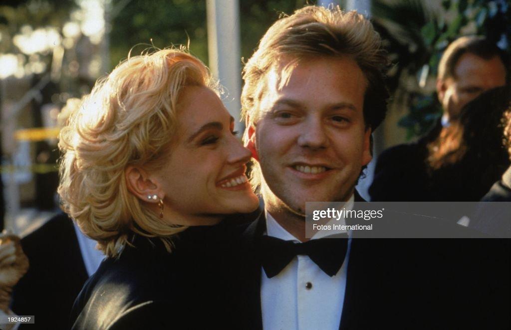 Julia Roberts & Kiefer Sutherland  : News Photo