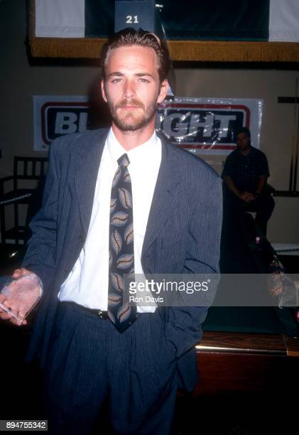 American actor Luke Perry attends the 3rd Annual Celebrity Pool Tournament to Benefit APLA on June 23 1994 at the Hollywood Athletic Club in Los...