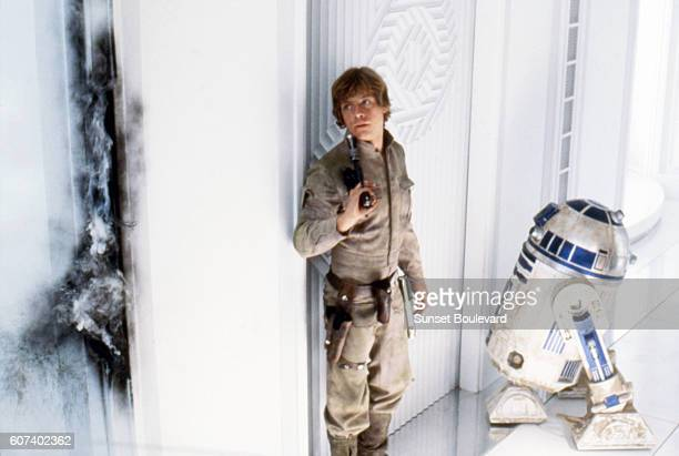 American actor Mark Hamill and British Kenny Baker on the set of Star Wars: Episode V - The Empire Strikes Back directed by Irvin Kershner.