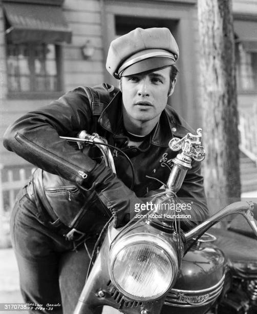 American actor Marlon Brando as gang leader Johnny in 'The Wild One' directed by Laszlo Benedek