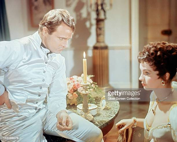 American actor Marlon Brando as Napoleon Bonaparte and English actress Jean Simmons as Desiree Clary in 'Desiree' directed by Henry Koster 1954