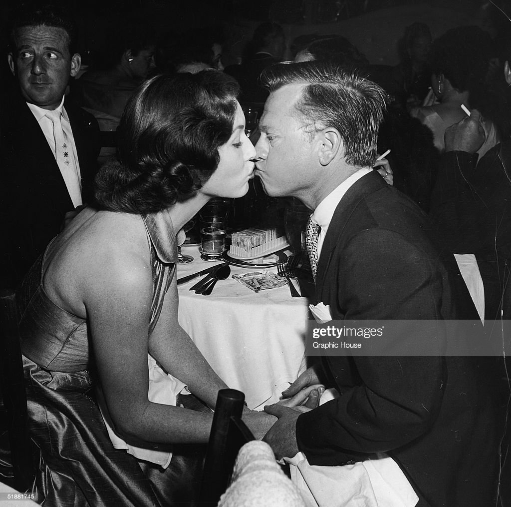 Mickey Rooney & Elaine Devry Kiss : News Photo