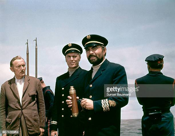 American actor of AustroHungarian origin Paul Lukas and British actor James Mason on the set of 20000 Leagues Under the Sea directed by Richard...