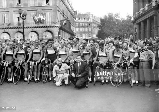 American actor Orson Welles posing at the start of the 1950 Tour de France with the team of France 13th July 1950 From left to a right Emile Baffert...