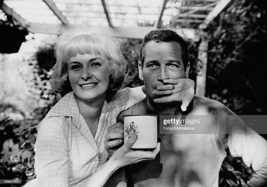 American actor Paul Newman (1925 - 2008) with his wife, actress Joanne Woodward, circa 1963.