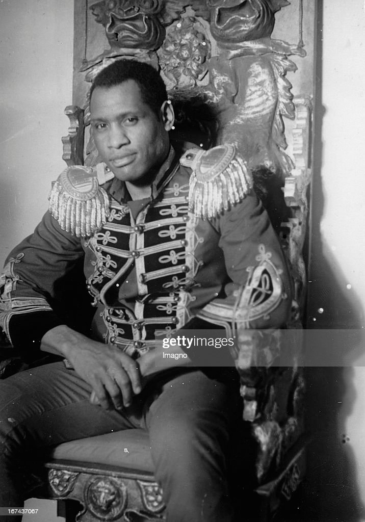 American actor Paul Robeson. Currently in Berlin in the piece EMPEROR JONES by Eugene O'Neill. 1930 Germany. Photograph. (Photo by Imagno/Getty Images) Der amerikanische Schauspieler Paul Robeson. Gastspiel in Berlin im Stück EMPEROR JONES von Eugene O´Neill. 1930. Deutschland. Photographie.