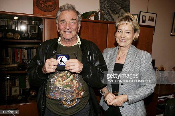 American actor Peter Falk best known for his role as Lieutenant Columbo in the television series Columbo receives the medal of 'The Brigade des...