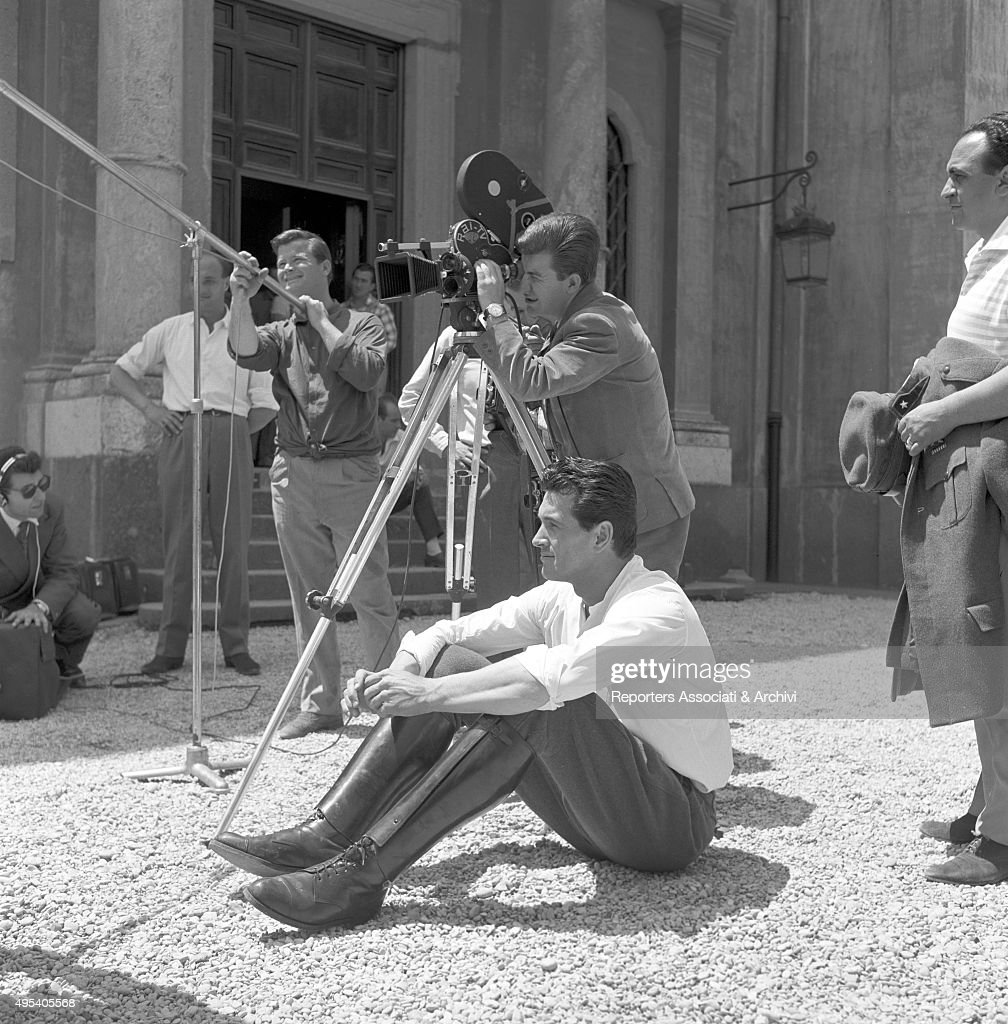 American actor Rock Hudson (Roy Harold Scherer Jr) watching American director Charles Vidor (Kà¡roly Vidor) working on the set of the film A farewell to arms. Italy, 1957