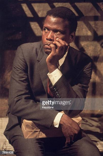 American actor Sidney Poitier finds himself in a tight spot while filming 'In the Heat of the Night'
