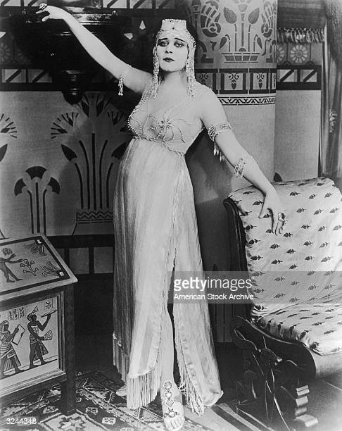 American actor Theda Bara poses in costume as Cleopatra in a promotional portrait for director J Gordon Edwards's film 'Cleopatra'