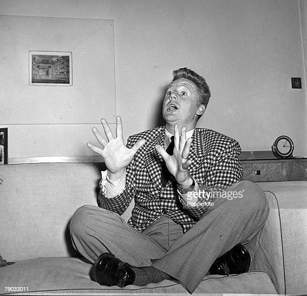 1950 American actor Van Johnson