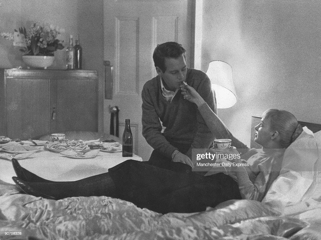 Paul Newman and Joanne Woodward, February 1958. : News Photo