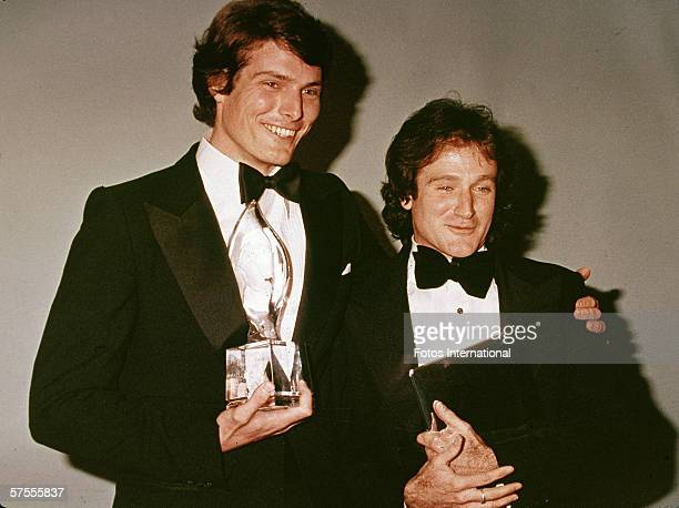 American actors Christopher Reeve and Robin Williams pose backstage at the People's Choice Awards, March 1979.