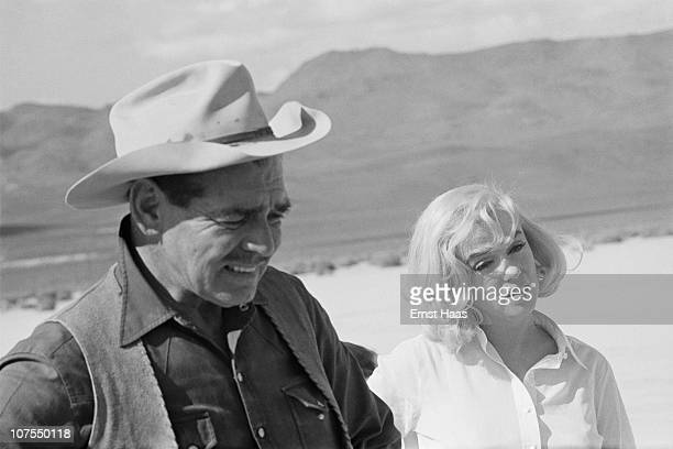 American actors Clark Gable and Marilyn Monroe during the location shoot of 'The Misfits' in the Nevada Desert, 1960.