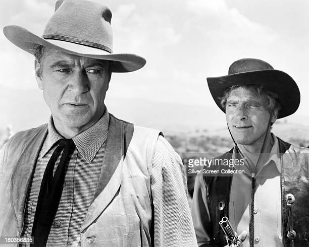 American actors Gary Cooper as Ben Trane and Burt Lancaster as Joe Erin in 'Vera Cruz' directed by Robert Aldrich 1954