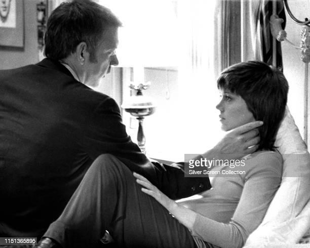 American actors Jane Fonda as Bree Daniels and Donald Sutherland as John Klute in the film 'Klute' 1971