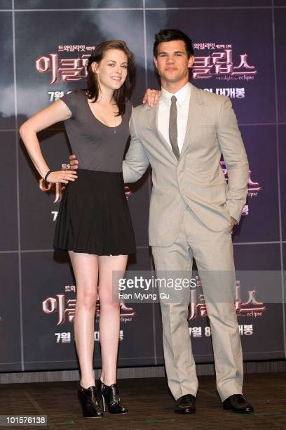 American actors Kristen Stewart and Taylor Lautner attends the Twilight Saga Eclipse press conference at Shilla Hotel on June 3 2010 in Seoul South...