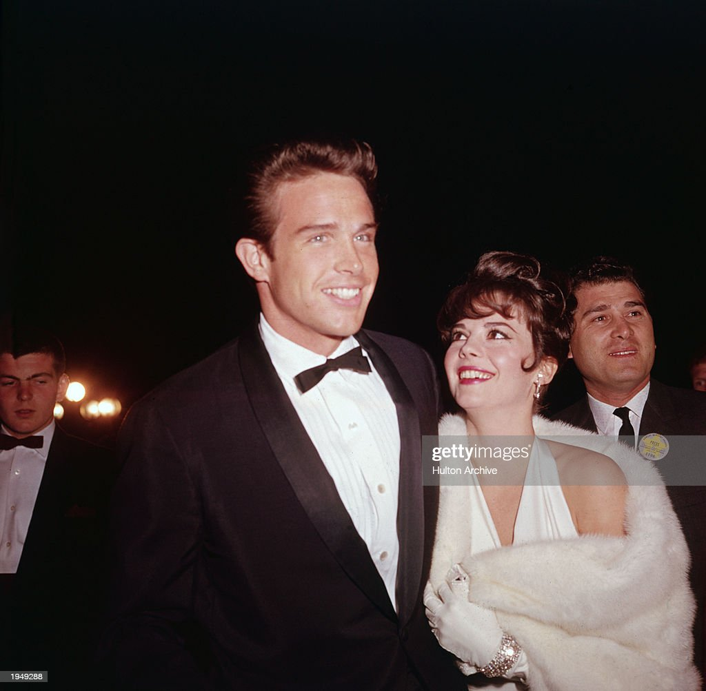 Archive Entertainment On Wire Image: Natalie Wood