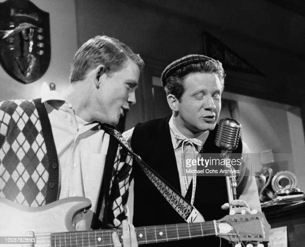 American actors Ron Howard and Donny Most in a scene from the television sitcom 'Happy Days', USA, 1977.